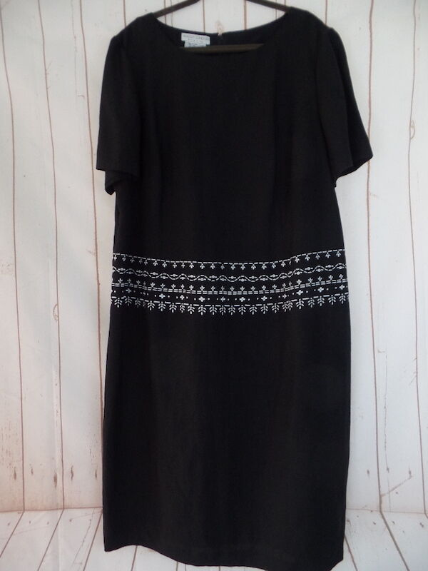 Maggy London Woman Dress 22 Black Linen Rayon Pullover Sheath Plus Sz Embroidery