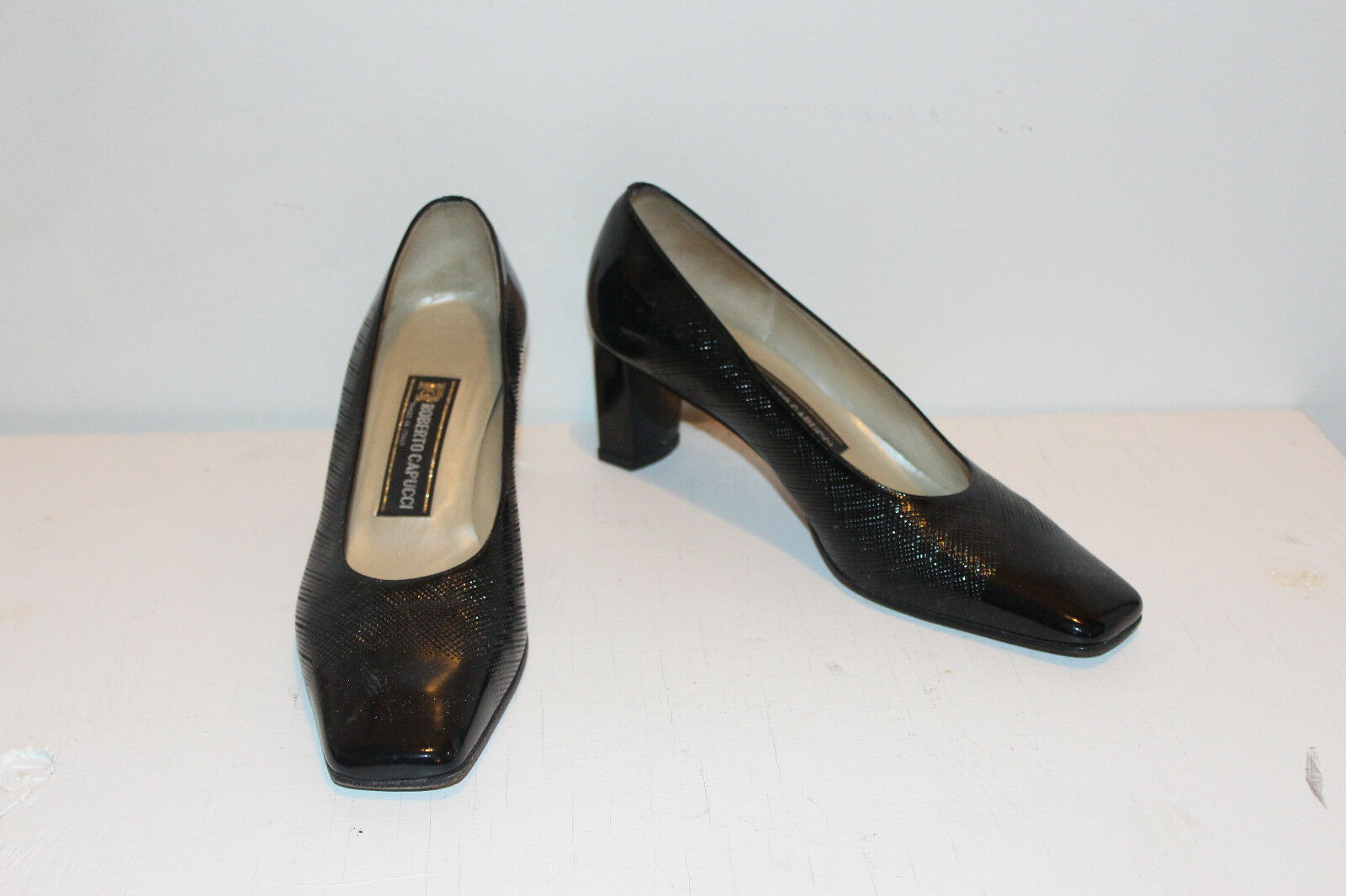 Designer Roberto Capucci Noir Cuir Patent pump taille 9.5 B, M MADE IN ITALY