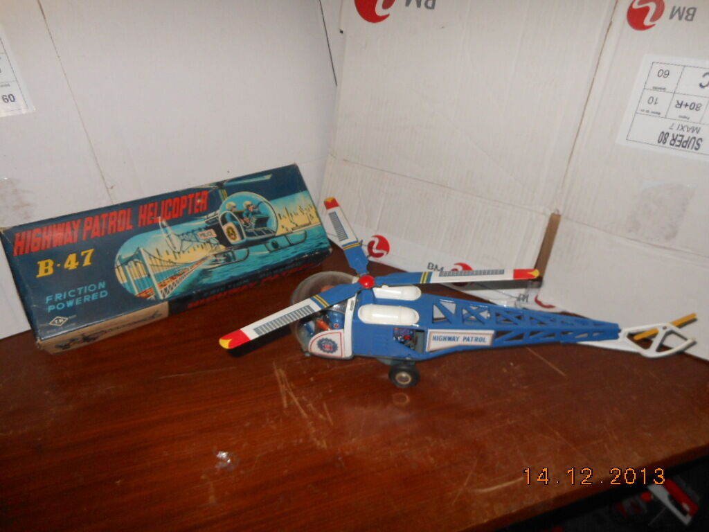 VINTAGE ORIGINAL TIN LITHO HIGHWAY PATROL HELICOPTER    MADE IN JAPAN FRICTION