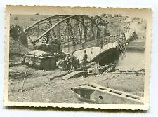 Foto Beute Panzer t 38 zerstörte Brücke Belgien Holland Frankreich 1940