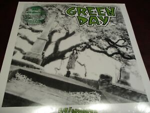 GREEN-DAY-COLLECTORS-RARE-39-SMOOTH-LIMITED-EDITION-BONUS-7-INCH-SINGLES-LP-SET