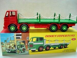 Atlas-Dinky-Supertoys-No-935-Red-Green-Leyland-Flat-Chains-Truck-Mint-boxed