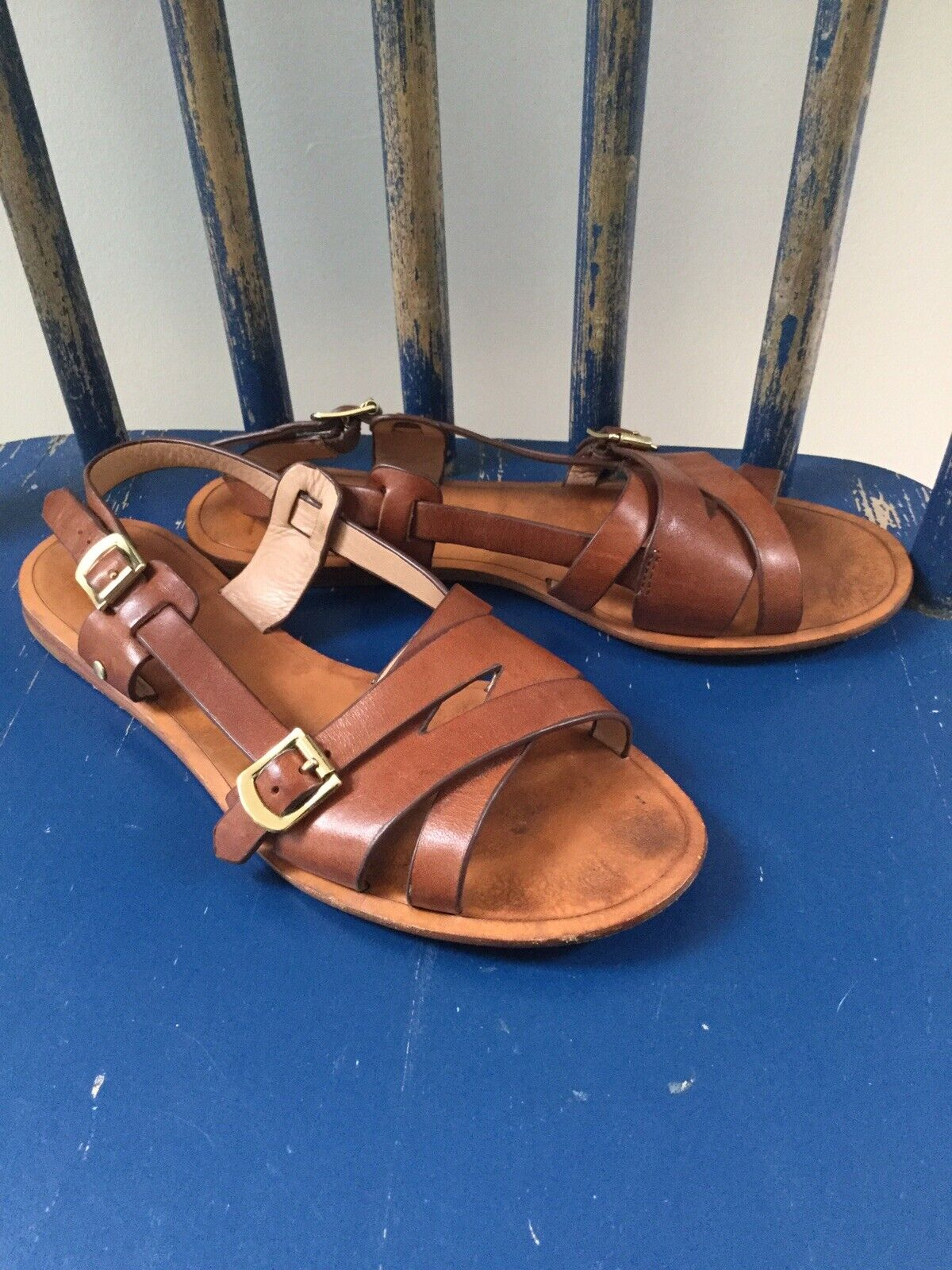 Vero Cuoio Women's Sz 6.5 (36.5) Strappy Leather Sandal gold Buckle Leather Sole