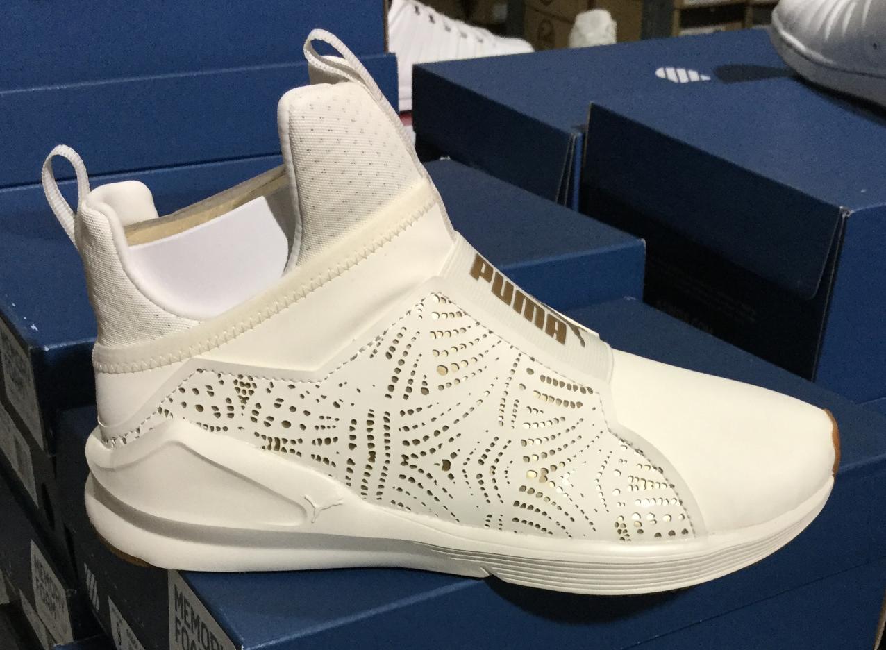 Puma Fierce Lasercut femmes Fashion Training Sneakers blanc 190543 02 Sz6-9 L