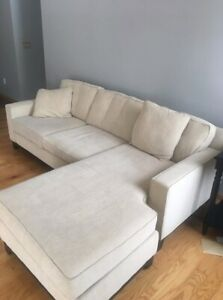 Couch With Chaise Two Accent Pillows