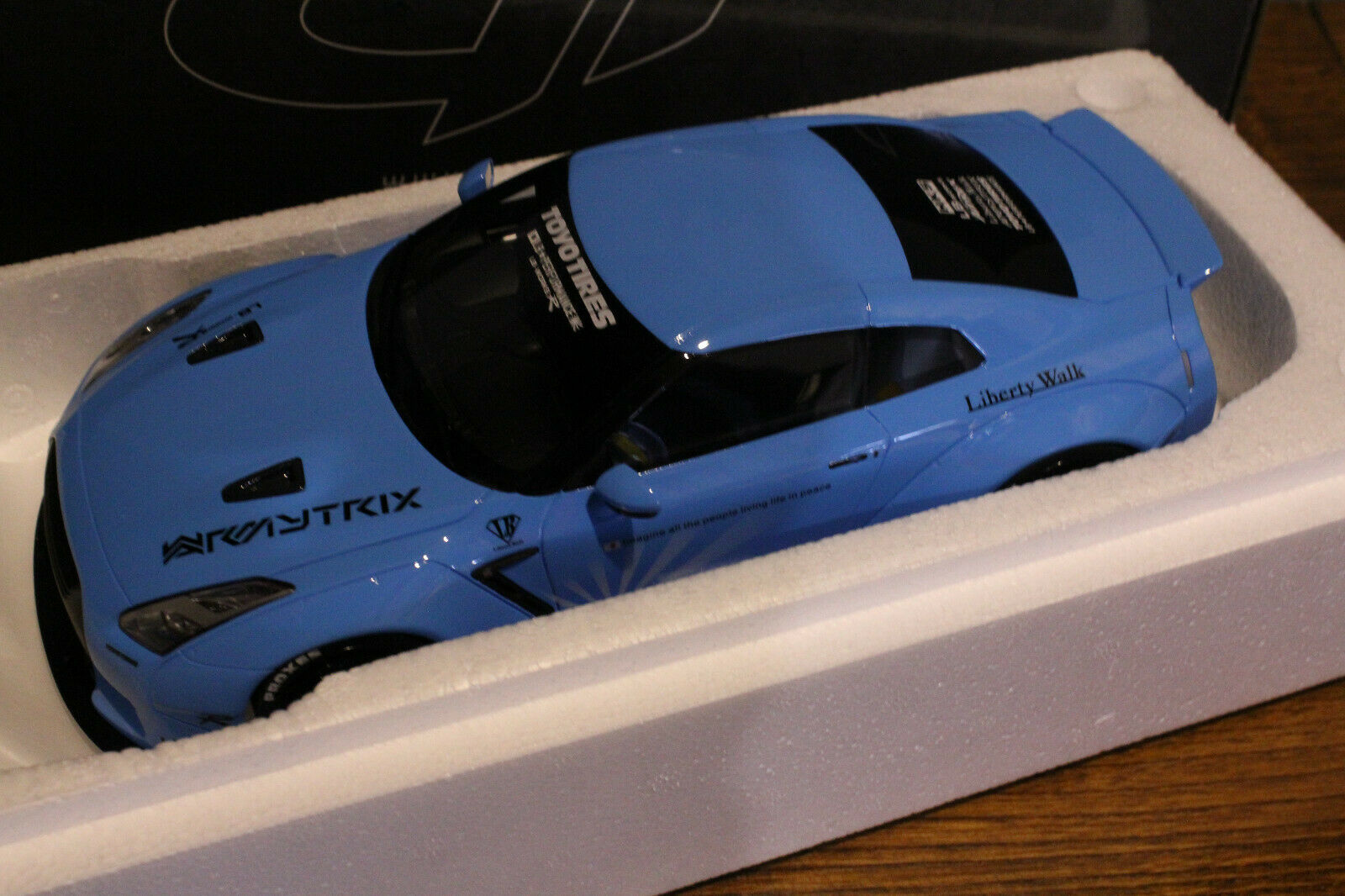 Nissan R35 LB Performance Liberty Walk - 1 18 GT Spirit Asia Edition