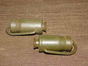 VINTAGE PAIR OF US ARMY GREEN METAL CLOTHES LINE HANGERS