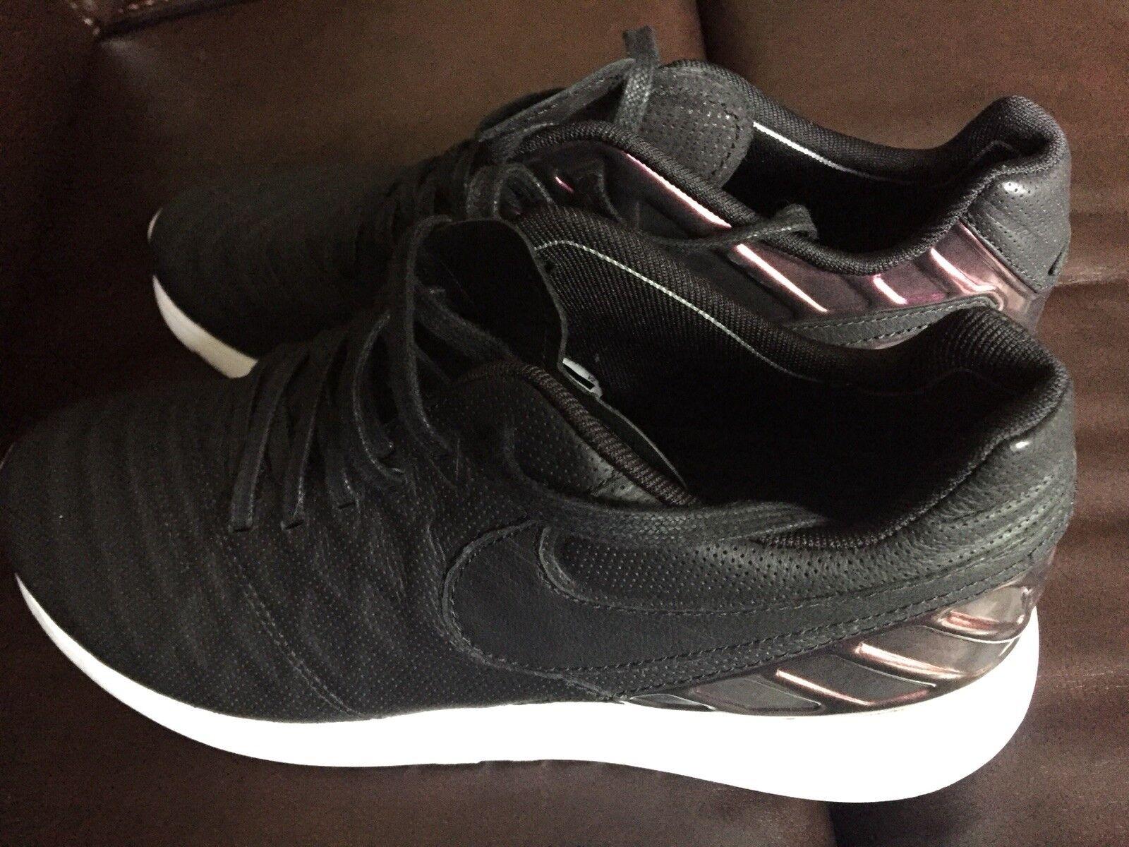 Ny Nike Roshe slipsmpo IV IV IV FC springaning Foamposite Fotboll 852615 -005 Storlek 8.5  den mest fashionabla