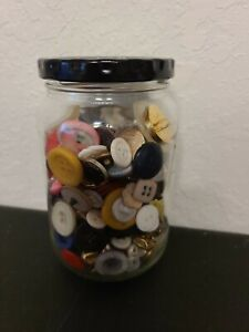 BIG-JAR-LOT-OF-VINTAGE-COLOR-BUTTONS-ALL-DIFFERENT-SHAPES-AND-SIZES-military