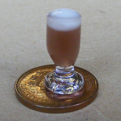 1:12 Single Glass Of Brown Ale Dolls House Miniature Pub Beer Drink Accessory