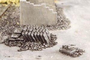 Ratio 526 Coal Sacks 1/76th Scale = '00' Gauge Plastic Kit - 1st Class Post