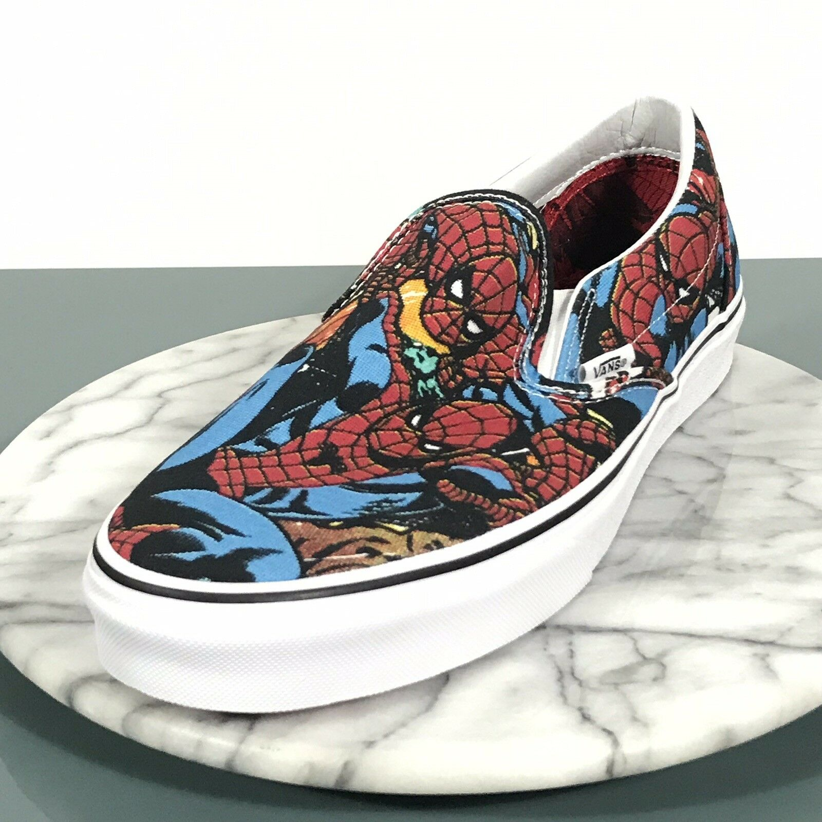 VANS CLASSIC SLIP ON SPIDER - MAN  MARVEL RED blueE Mens Size 10.5 NEW IN BOX