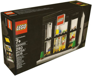 BRAND NEW Lego BRAND RETAIL STORE 3300003 Box has creases