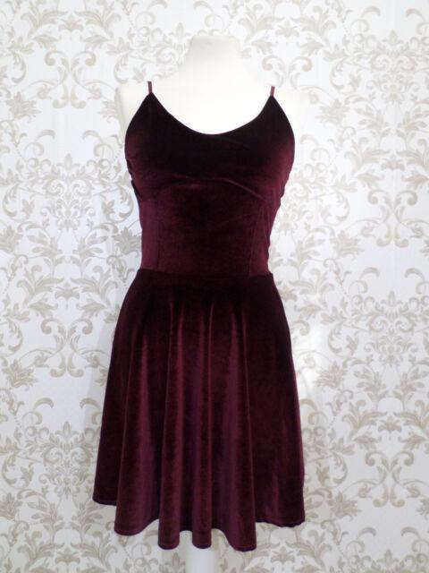 Size 8 Boohoo maroon velvet look skater dress NWOT #1267R
