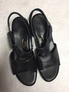 SAS-Women-s-Black-Leather-Tripad-Comfort-Ankle-Strap-Sandals-Size-Sz-10-M