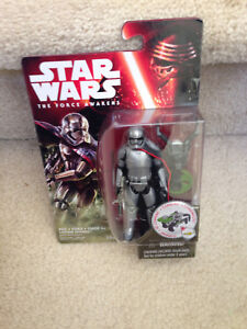 Star-Wars-The-Force-Awakens-Captain-Phasma-3-75-034-Action-Figure