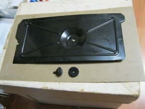 Original-Singer-Sewing-Machine-301-Bottom-Cover-W-MOUNTING-HARDWARE
