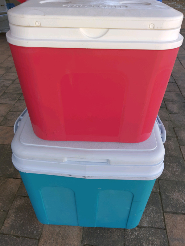 2 Cooler boxes