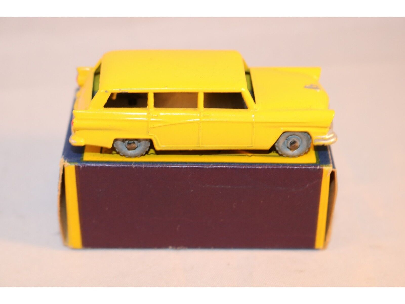 Matchbox Lesney 31 Ford station car GMW excellent plus to near mint condition