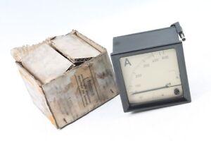 Old-Gauge-Ammeter-Bakelite-0-600-Panel-Meter