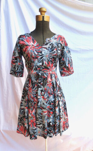 1950s Rockabilly DRESS Hand Painted Dark Floral Fu
