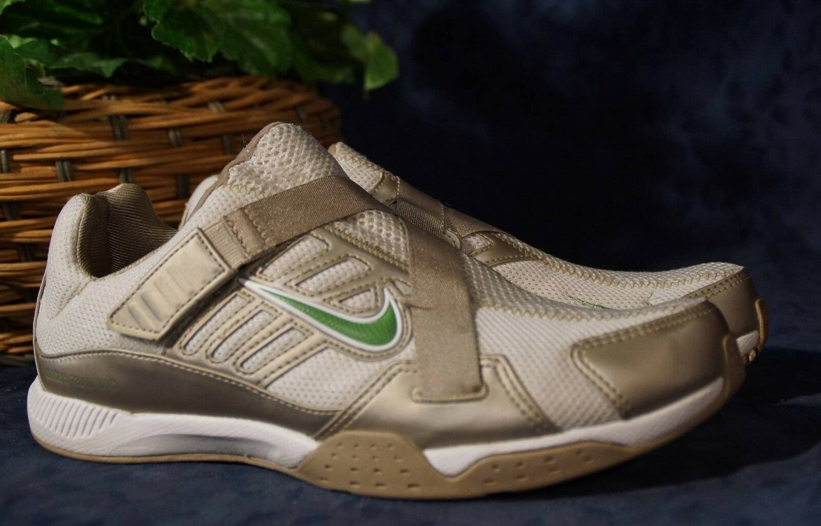Attractive NIKE Gray Gold Silver Green Cross Shoes Training Shoes Cross US 6 df72d8