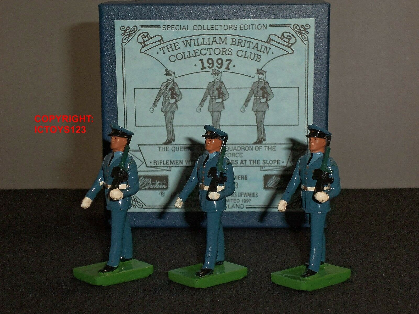 BRITAINS 3073 COLLECTORS CLUB RAF ROYAL AIR FORCE RIFLEMEN WITH SA80 RIFLES SET