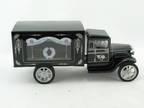 Blechspielzeug Hawkeye LKW Leichenwagen mit Holzsarg von KOVAP 0604