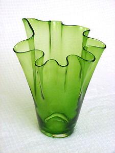 Vintage Hand Made/Blown Art Glass Vase, Handkerchief ... Ruffled Handkerchief Glass Vases Bedford, A