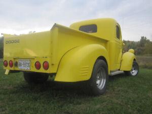 1947 Dodge Fargo Shortbox resto-mod