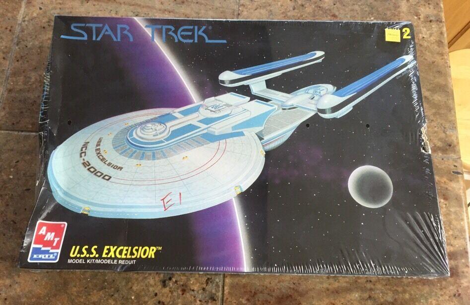 U.S.S. Excelsior - STAR TREK AMT-Model-KIT-©1994-NEW-SEALED