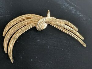 "MONET Signed Knotted Arch Stem Twisted Rope Brooch Pin Gold Tone 2 3/4"" Safety"