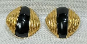 VTG-St-John-Large-Designer-Clip-on-Earrings-GoldTone-Black-Enamel-Round-Button