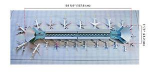 GEMINI-JETS-GJARPTC-1-400-SCALE-DELUXE-AIRPORT-TERMINAL-AND-MAT-SET