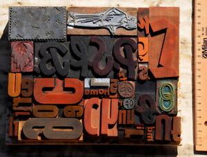 """Konvolut """"Reste aus Druckerei"""" Lettern Buchstaben Klischees Druckstöcke, etc.."""
