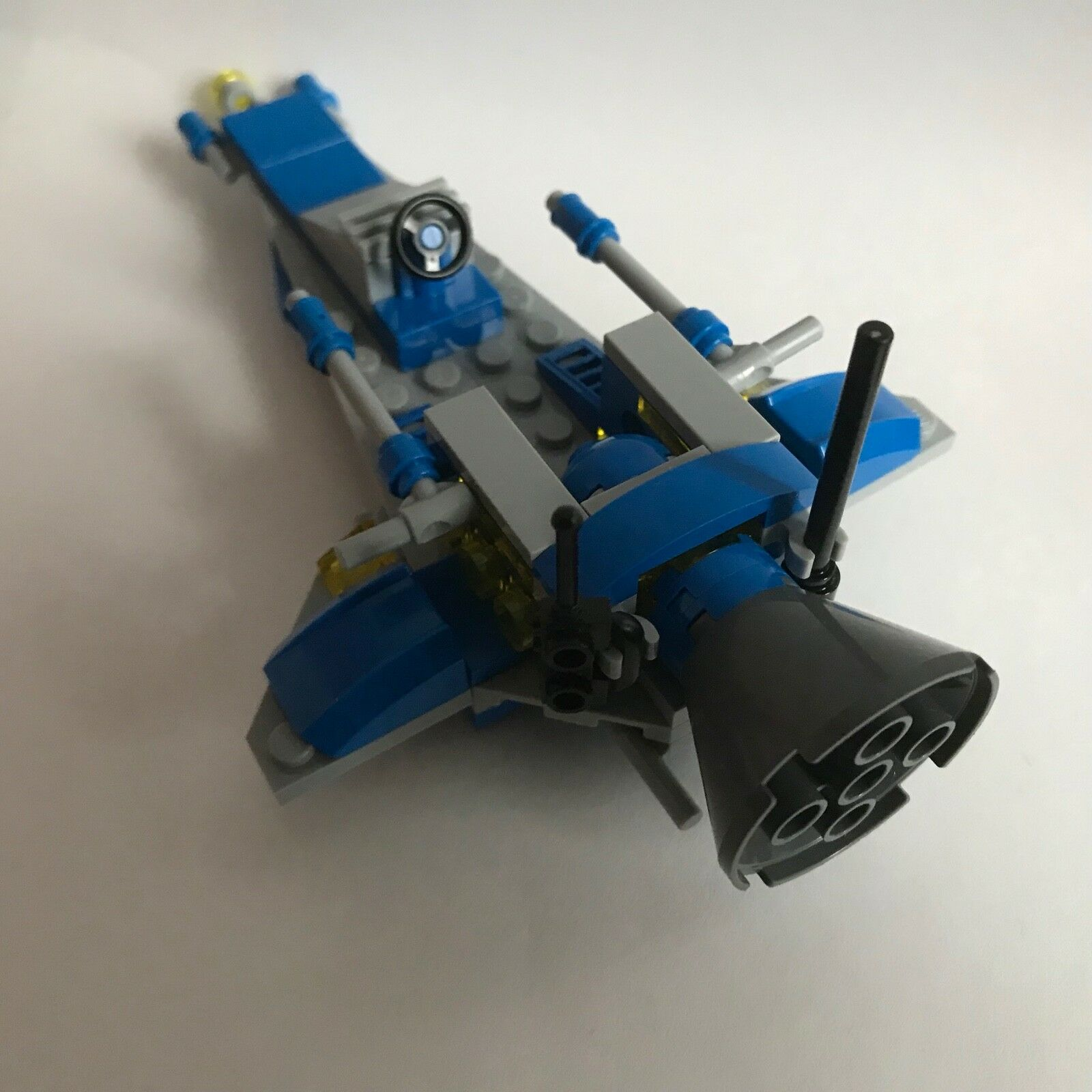 LEGO SPACE - 3 white white white SPACEMEN from 70841 + 3 x SPACESHIPS - my design 4 630dac
