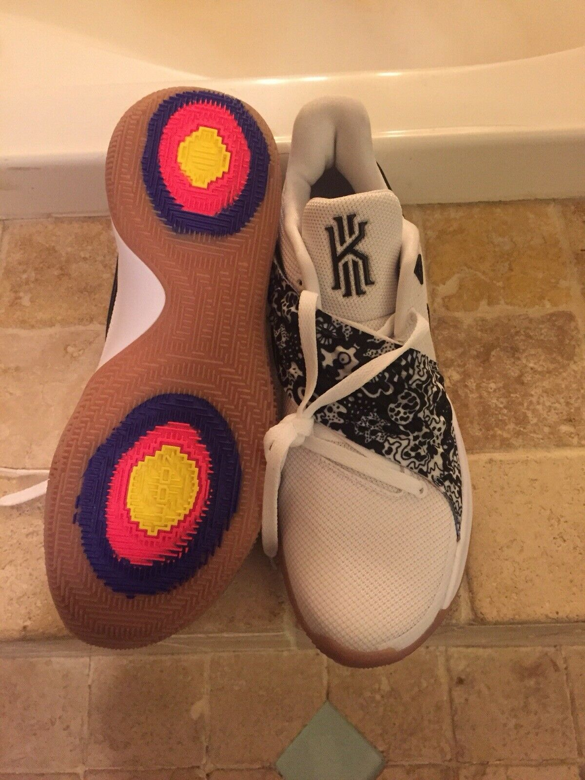 Nike Kyrie Irving 4 IV Low Basketball shoes White Black Gum AO8979-100 Size 11