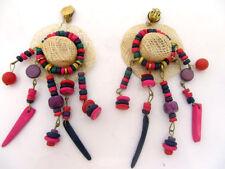 anciennes boucles d'oreille originales décor chapeau et perles couleurs earrings