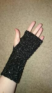 Hand-Knitted-Hand-Warmers