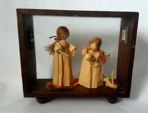 Vintage Shadow Box Corn Husk Netting Girls Beautiful Unique Rare Husk Dolls Other Antique Decorative Arts