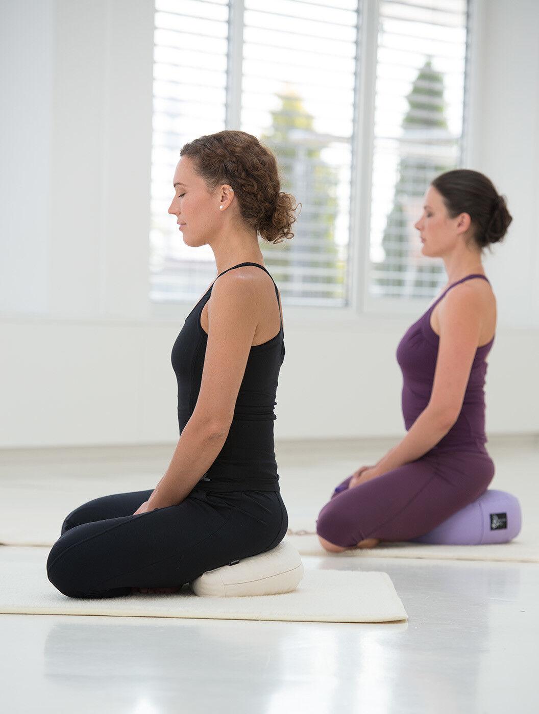 Yogistar Meditationskissen - Halbmond NEU NEU NEU & OVP 45ea88