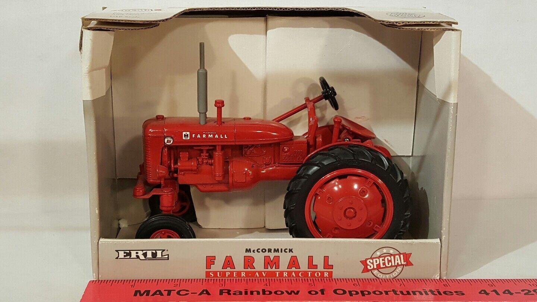 Ertl McCormick Farmall Super Av 1/16 diecast coleccionables réplica de tractor de granja