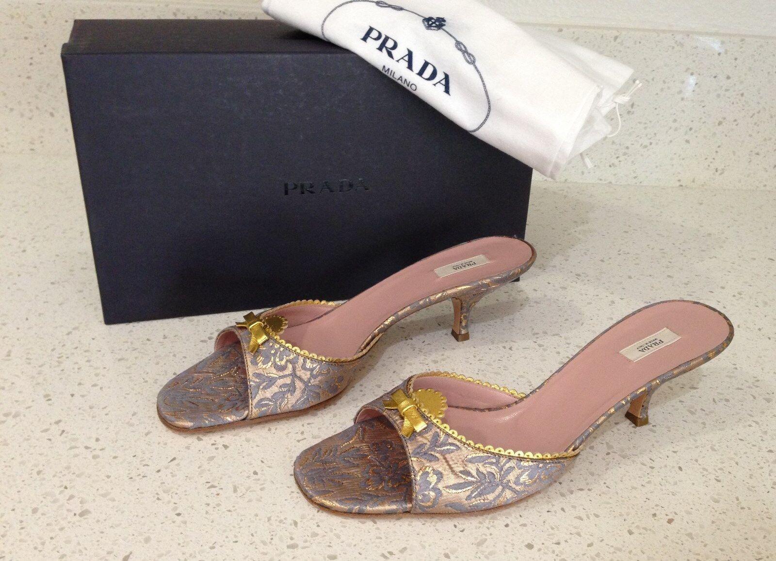 Nuova brocca blu  di Prada e Leather Mules Slides Kitten Heel 39.5 Autentica  vendita all'ingrosso