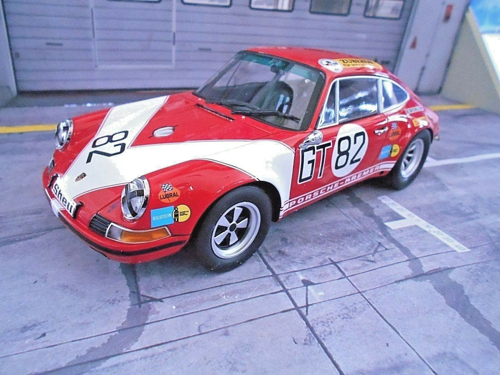 PORSCHE 911 S 1000km Nbrg 1971  82 Kremer Neuhaus CLASS S Minichamps resin 1 18
