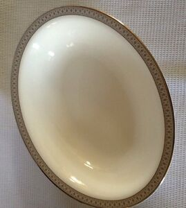 Royal-Doulton-Oval-Serving-Bowl-RARE-PROTOTYPE-One-Of-A-Kind