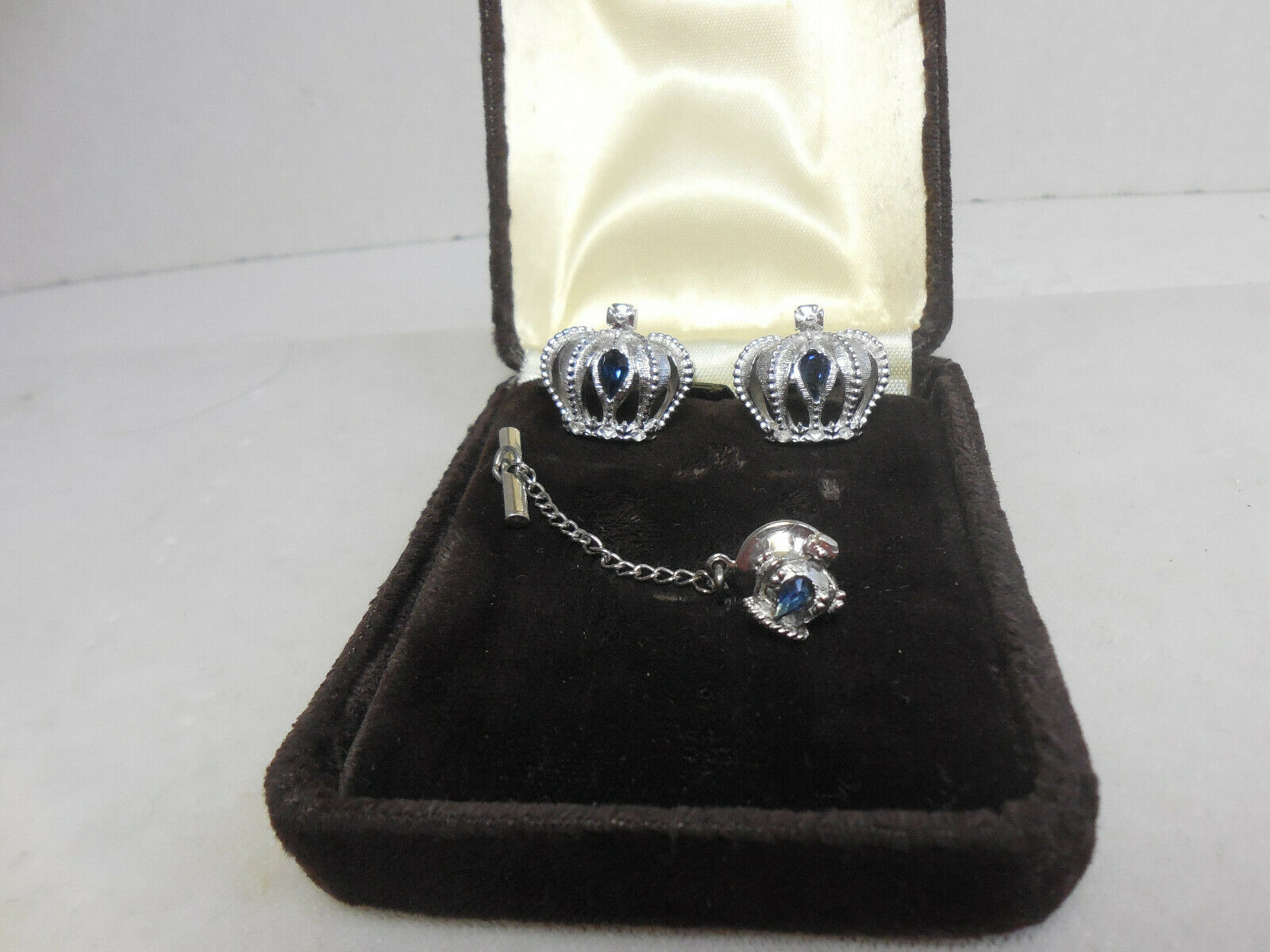 Silver and Blue Wrap Around Cuff Vintage Swank Cufflinks and Tie Tack Set