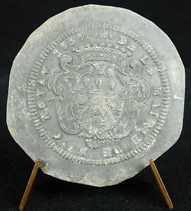 medal-The-town-hall-Bishop-C-Noyav-1737-Louis-XV-Coat-of-arms-armes-medal