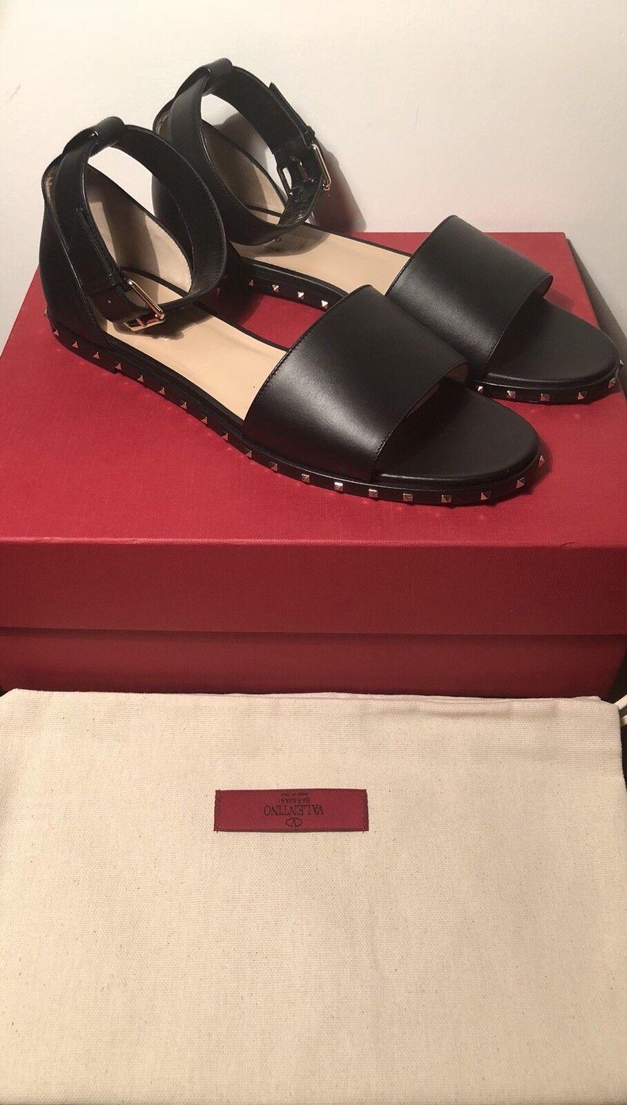 Valentino Garavani Soul Rockstud Flat Sandals