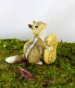 "Dollhouse Miniature Fairy Garden 1 3/8"" Chipmunk w/ Peanut, 17458"