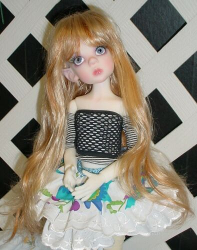 "With bangs DOLL Wig Monique Gold Adorabel /""Pixie/"" Size 4//5 in Blonde"
